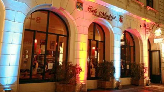 Bild im Text zu Gemeinsames Abendessen und gemütlicher Tagesausklang im Café Madrid